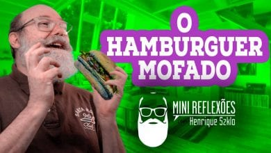 Photo of Henrique Szklo e o hamburguer mofado